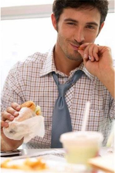 Dışarıda yemek yerken dikkat edin!